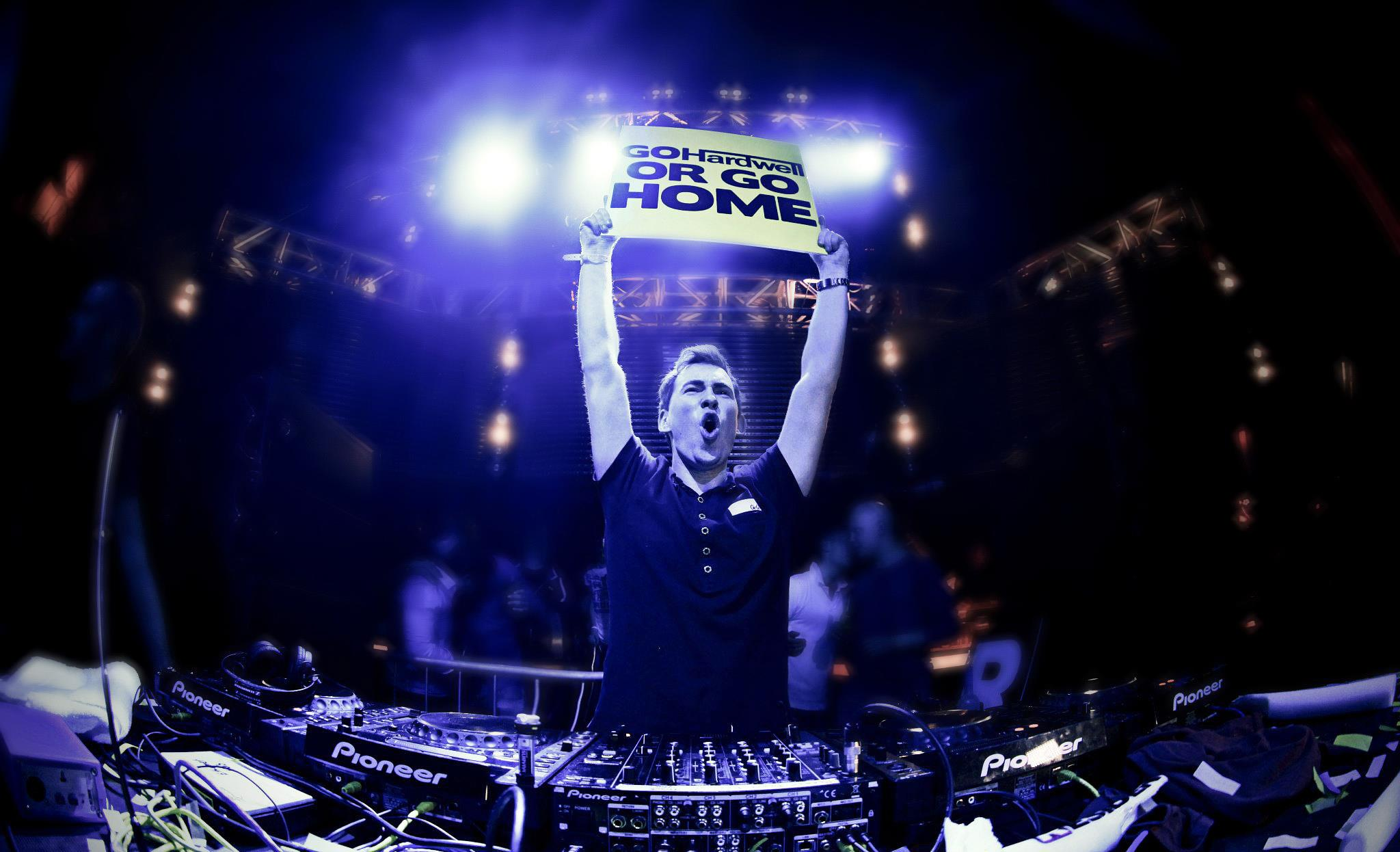 And the 1 dj in the world is streamkat hardwell altavistaventures Image collections